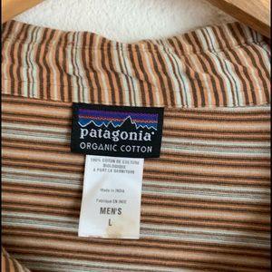 Patagonia Shirts - Men's Patagonia 100% organic cotton striped shirt